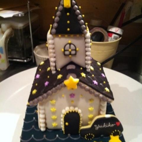 ネオン輝くお菓子の教会~正面~サムネイル