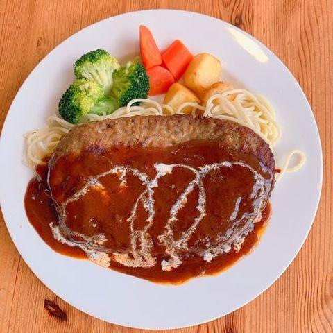夏はガッツリお肉を食べてエネルギーを摂りましょう!サムネイル